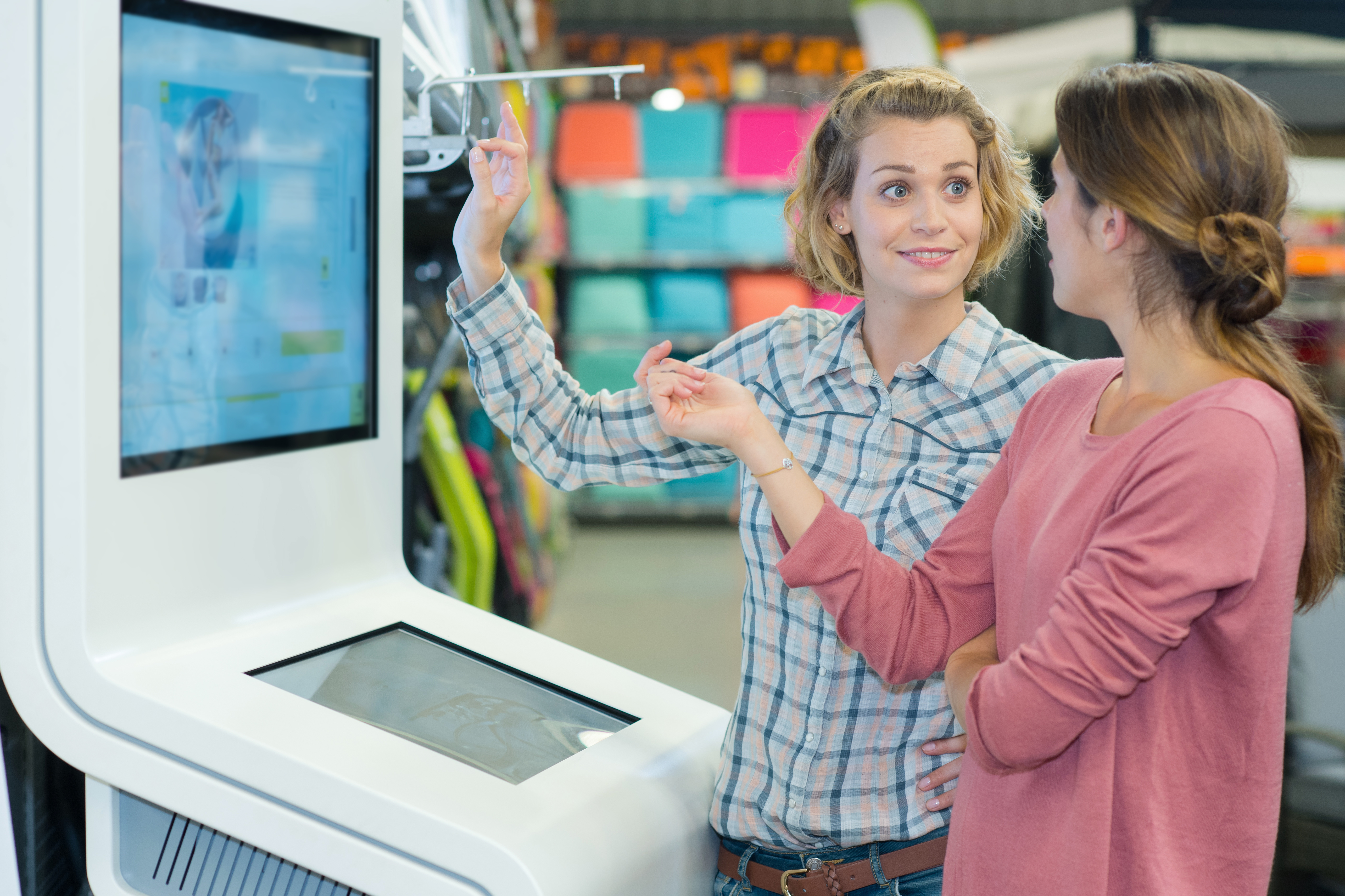 Smart shop displays - How data could help retail tackle challenges